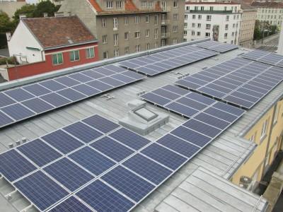 Neuherstellung Rheinzink Blechdach inkl. Montage einer Photovoltaik Anlage (Wien 2014)